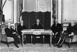 Woodrow Wilson with the American Peace Commissioners