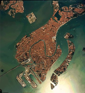 Venice in true colours